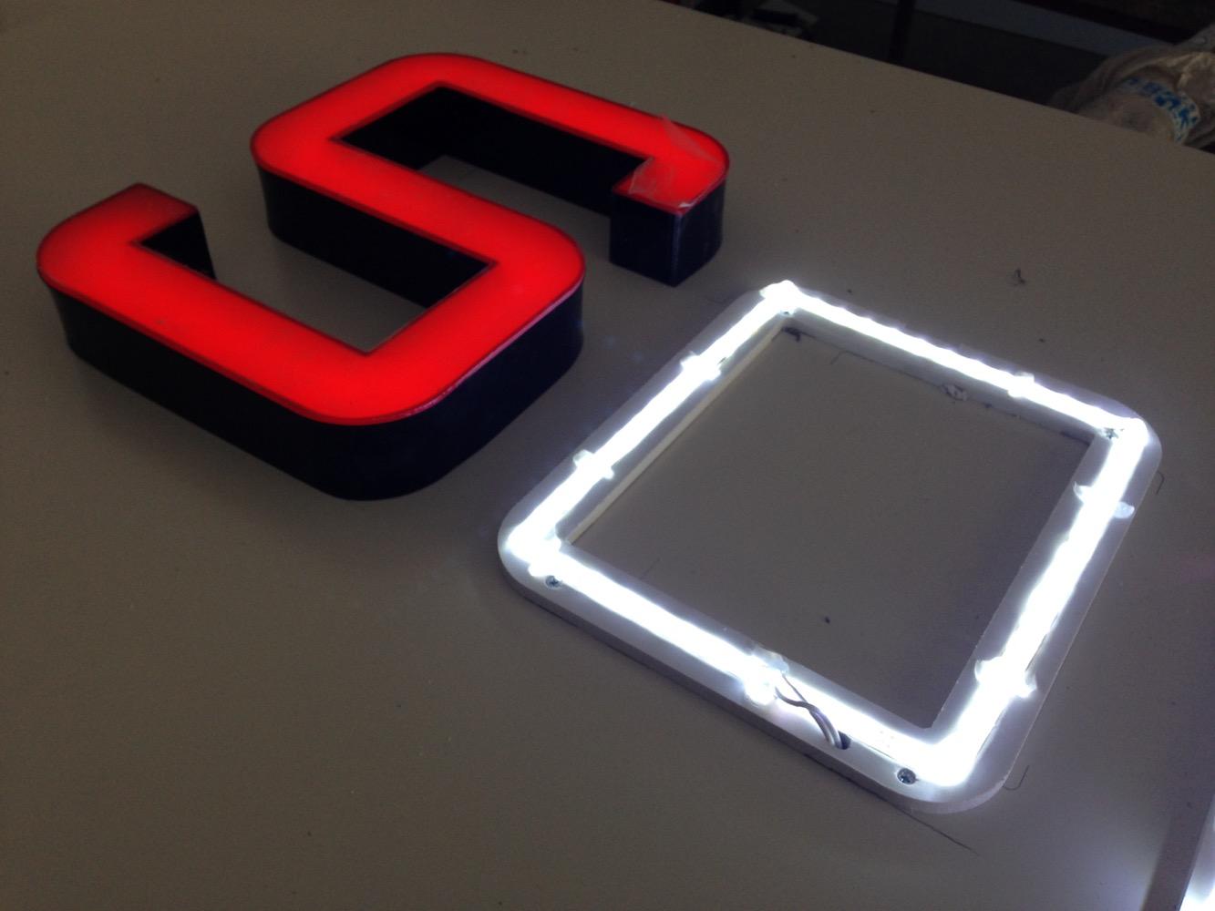 LED Işıklı Kutu Harf Uygulaması